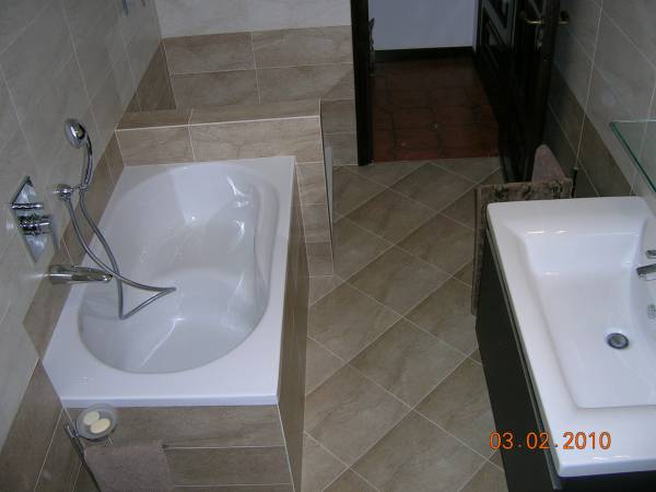 Muretto dietro wc fr betonbden badezimmer with muretto - Bagno con muretto ...