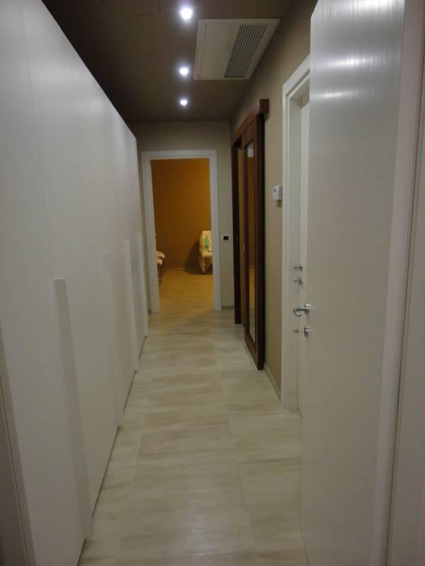 Faretti Cartongesso Corridoio: Faretti per corridoio faretto box led bianco con qr orientabile ...