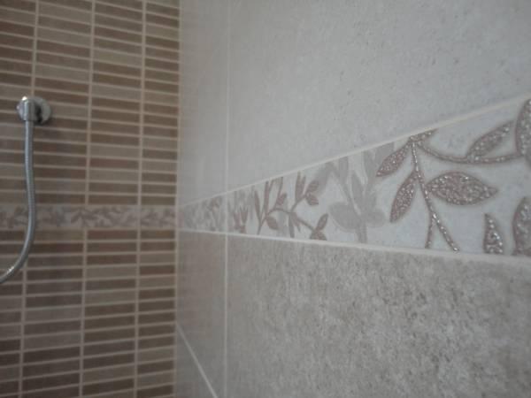 Ristrutturazioni complete di bagni - Bagno con greca ...