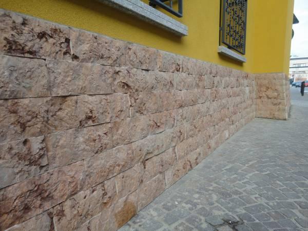 finitura parete pietra spaccata Cinisello Balsamo