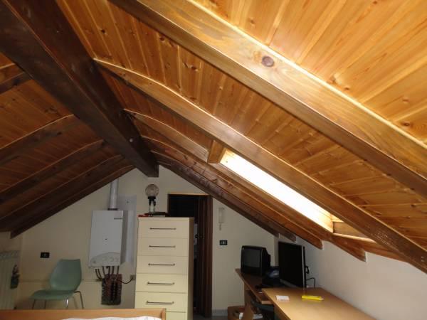Ristrutturazione completa villa in paderno dugnano con for Sottotetto in legno