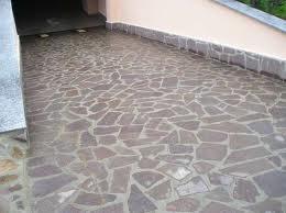 pavimentazione scivolo in porfido
