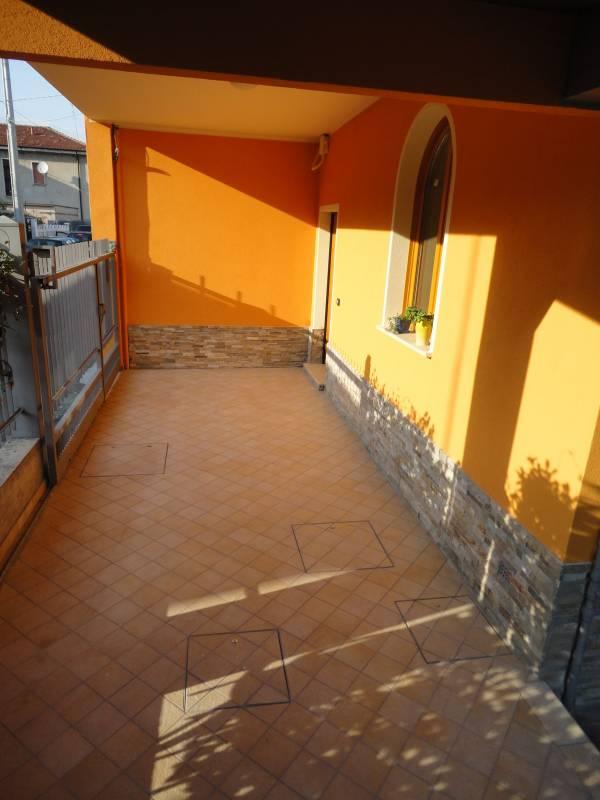 pavimentazione in gres porcellanato 15x15