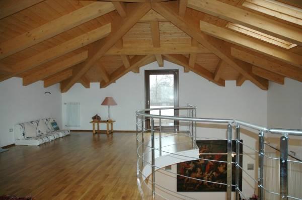 struttura tetto in legno lamellare